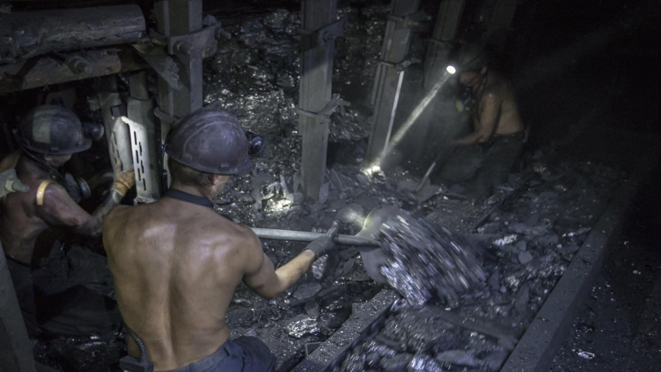 chine mineurs pieges dans une mine - Illustration Photonews